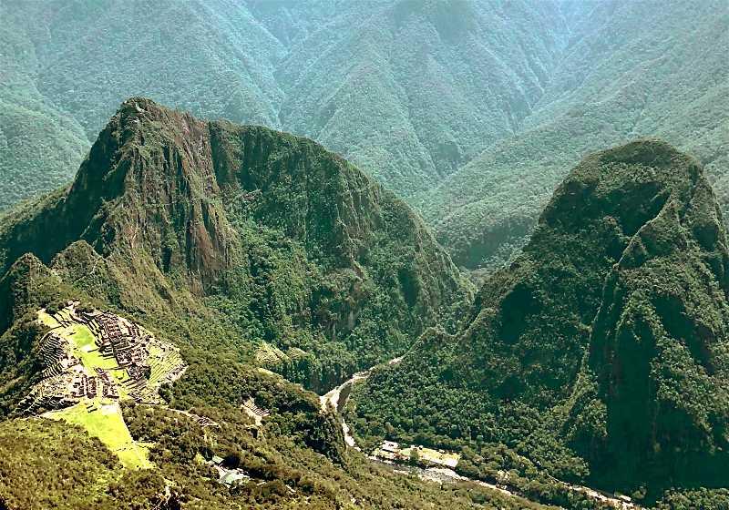 valle do rio urubamba com machu picchu